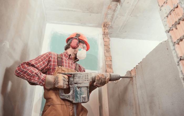 permesso per abbattere demolire parete interna