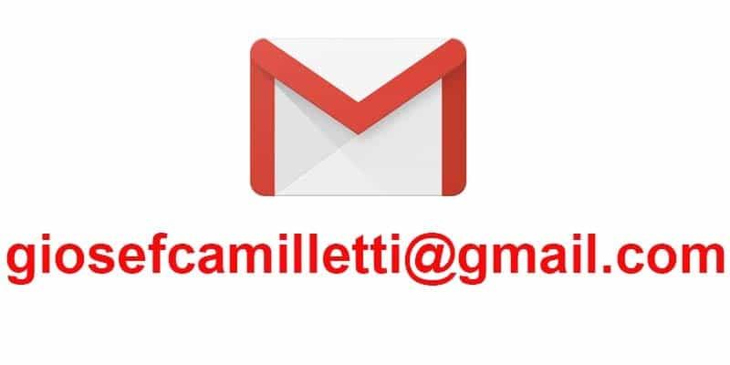 scrivici per email